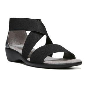 Life Stride Tellie Black Sandals